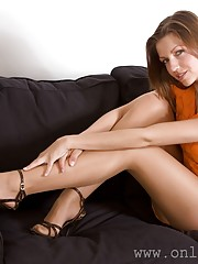 pretty nylong feet and leg pictures